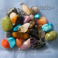 Украшения из минералов - амулеты, брелки в ассортименте